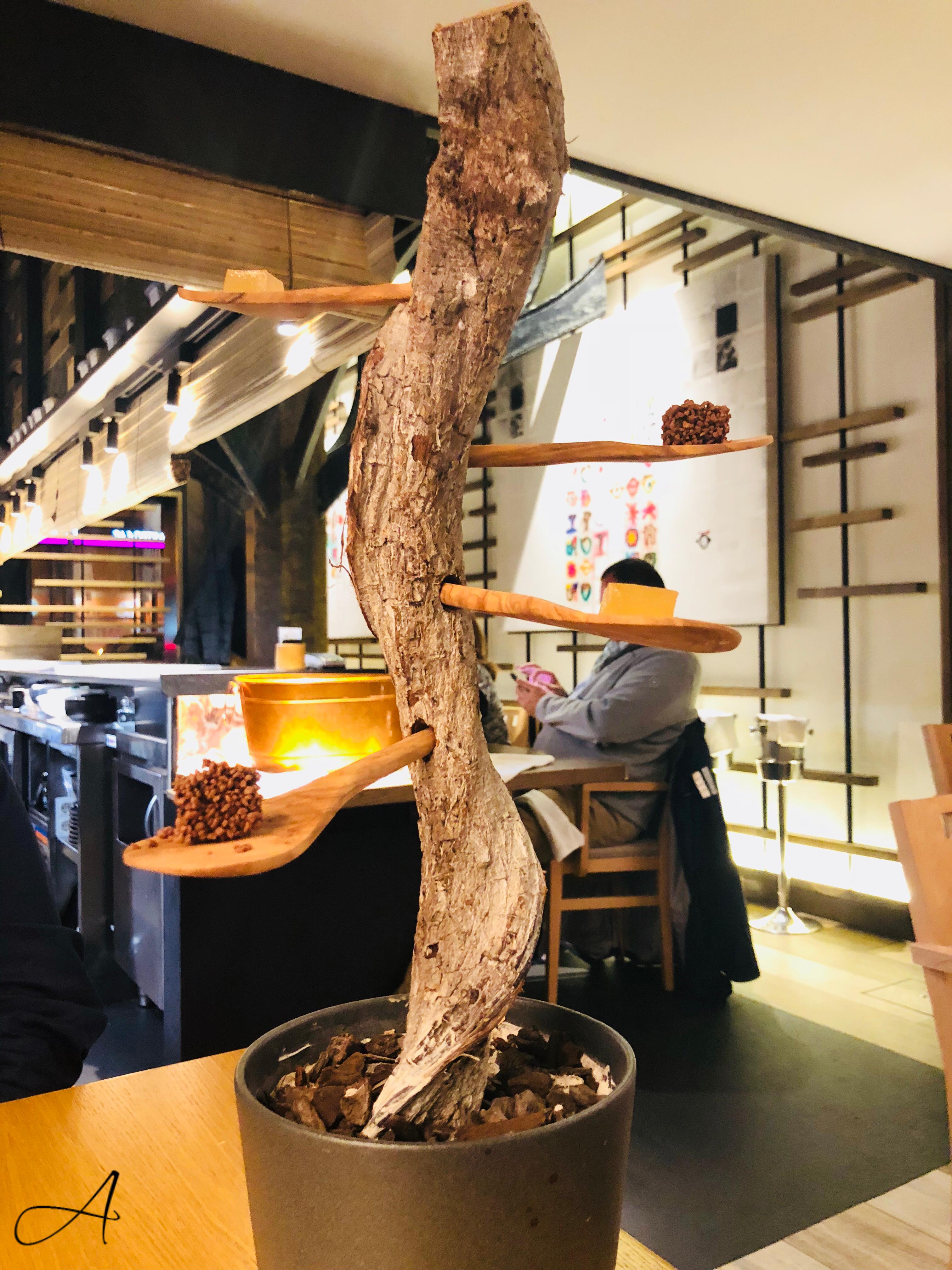 Árbol de gominola de yuzu y turrón con peta-zetas