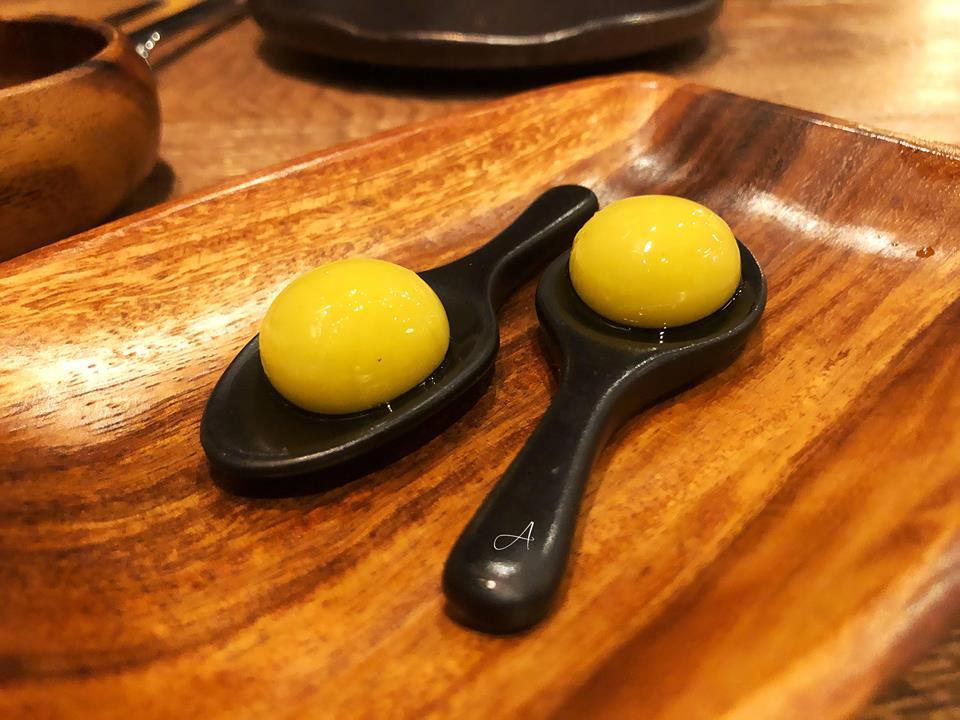Oliva esférica con anchoa