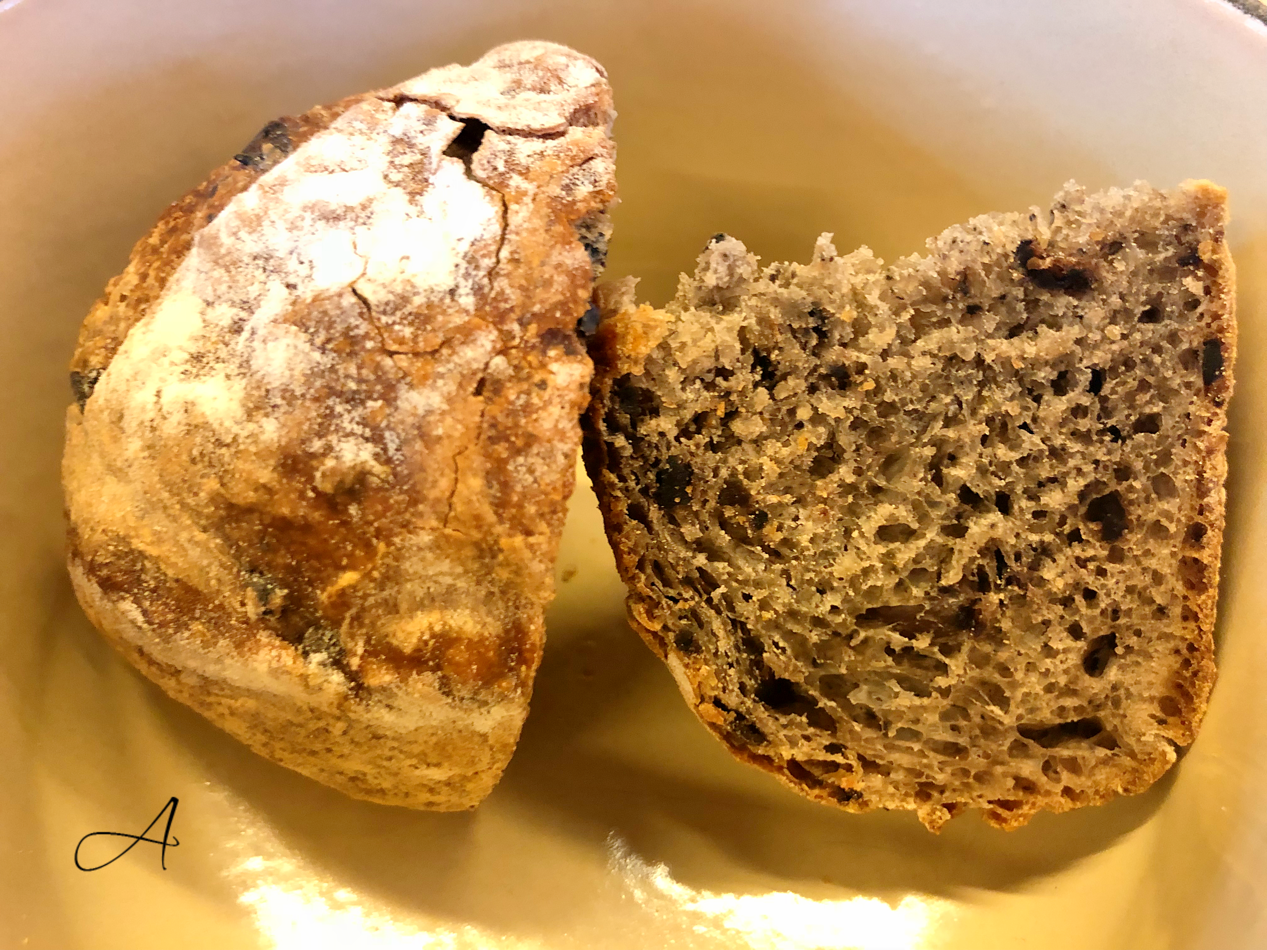 Pan caliente de aceituna negra