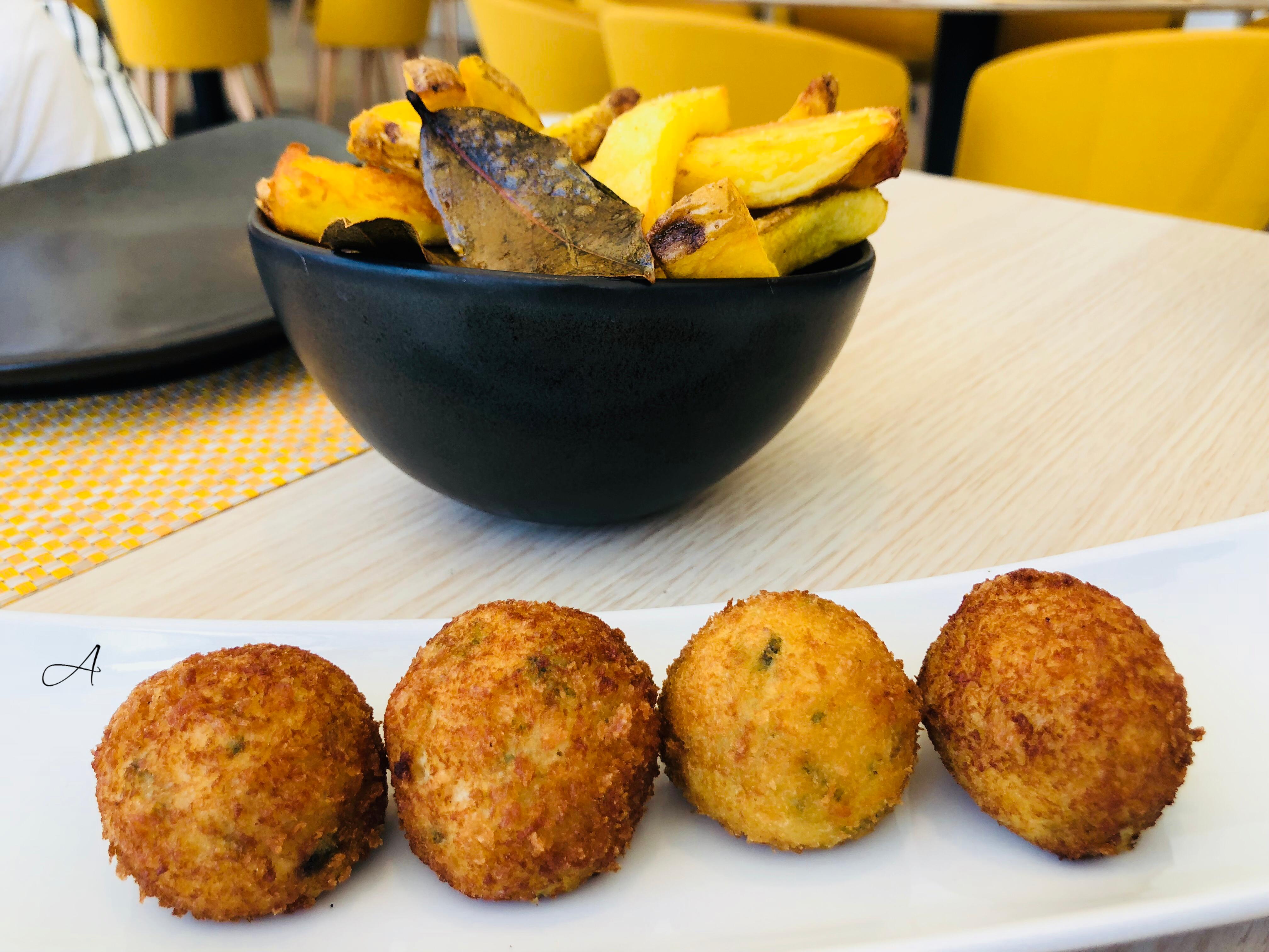 Croquetas de bacalao con verduras