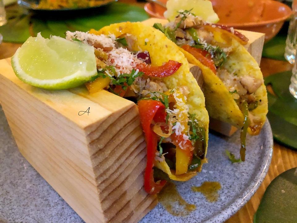 Tacos hawaianos