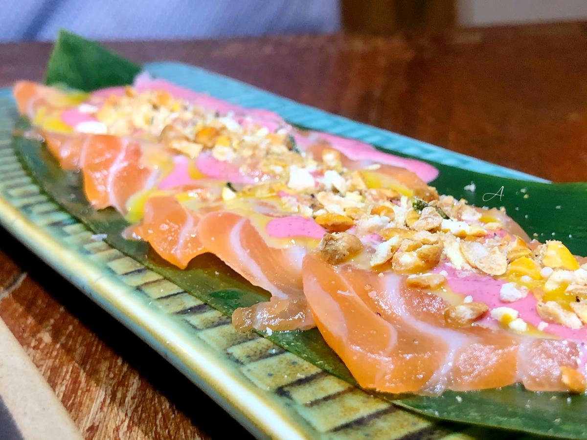 Tiradito de salmón al estilo Nikkei